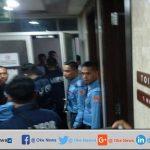 Ruang Anggota DPR RI Dari Gerindra Dan Golkar Terkena Peluru Nyasar