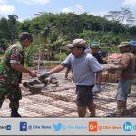 TNI Bersama Warga Gotong Royong Bangun Masjid