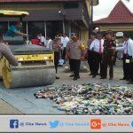 Polres Sumenep Musnahkan Ratusan Botol Miras