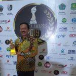 Dapat Penghargaan Madura Awards 2019, Fattah Jasin Wakafkan Dirinya Untuk Madura